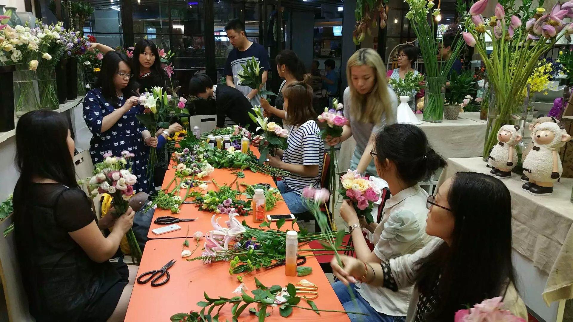尚格人力举办第22期《插花与花艺》免费沙龙